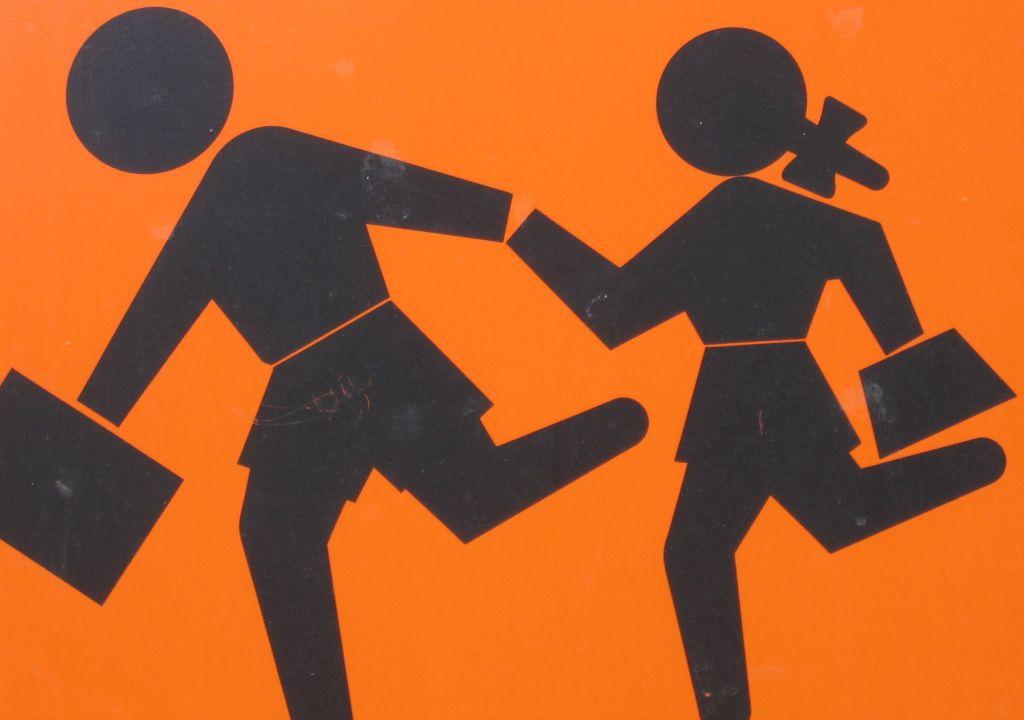 Schild: Vorsicht Kinder